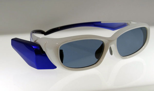 toshiba-smartglass-01.jpg