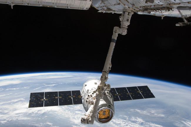 Dragon_SpaceX_may_2012.jpg