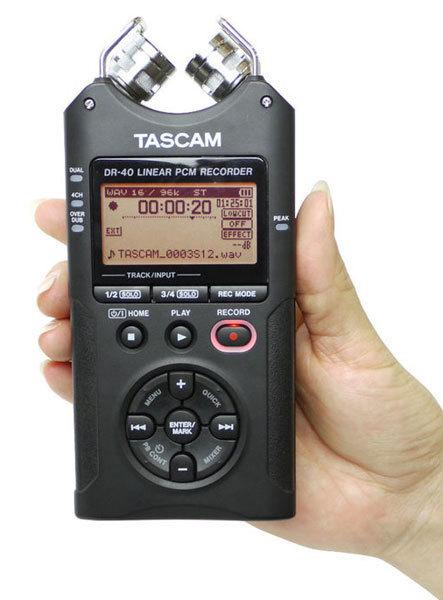 Tascam-DR-40-01.jpg