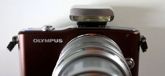 e-PM1_flash.jpg