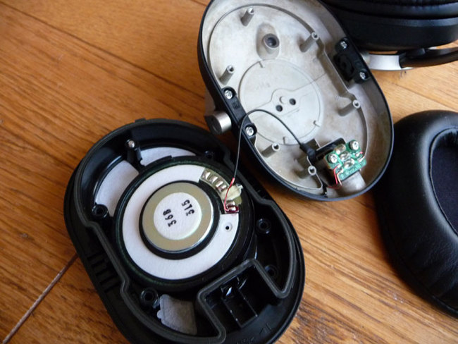 Sony-MDR-Z1000-6.jpg