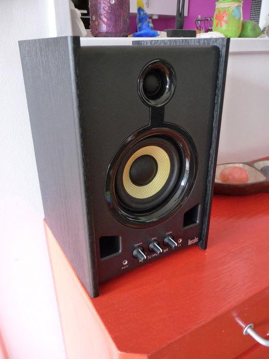 XPS-2080-DJ-Monitor_5.jpg