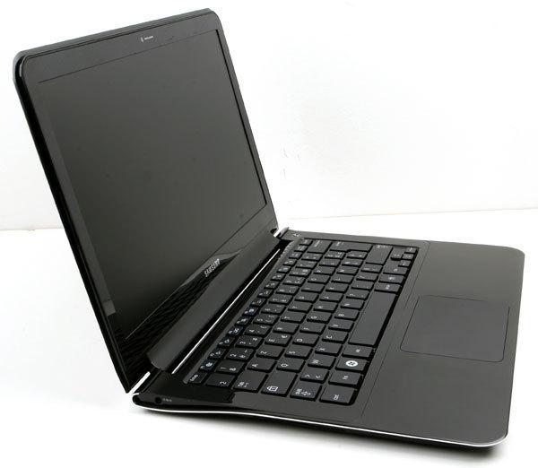 Samsung_X900_3.jpg