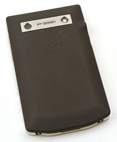 BlackBerry-Porsche_P9981_11.jpg