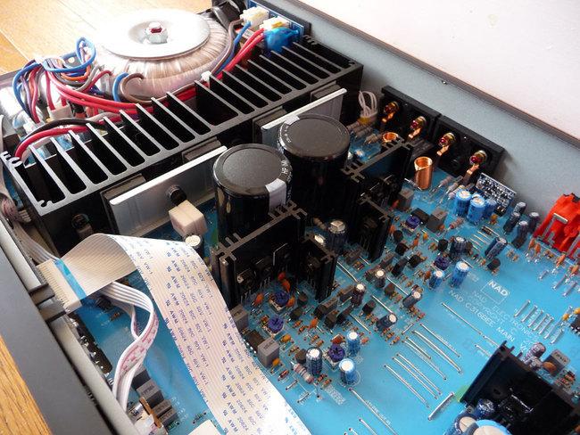 NAD-ampli-P1140886_6.jpg