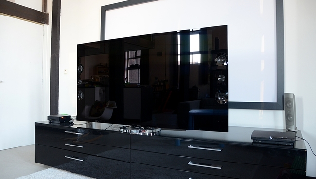 sony kd 65x9005a premier regard sur l ultra hd 4k. Black Bedroom Furniture Sets. Home Design Ideas