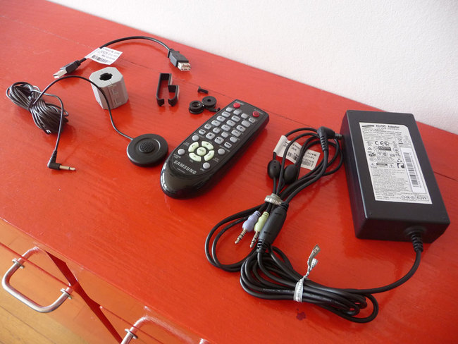 Samsung-HFW750-07.jpg