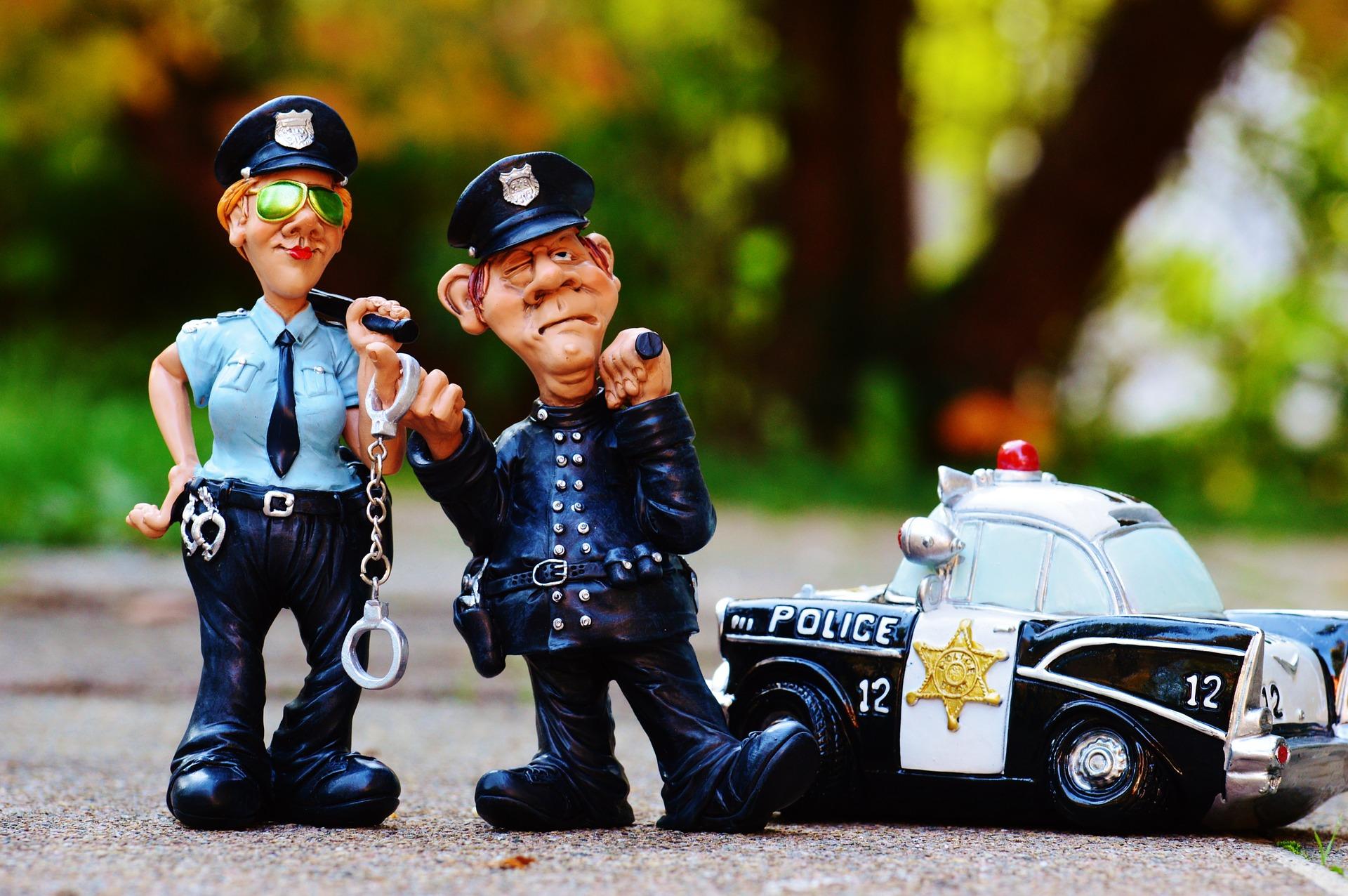 cop-1016240_1920