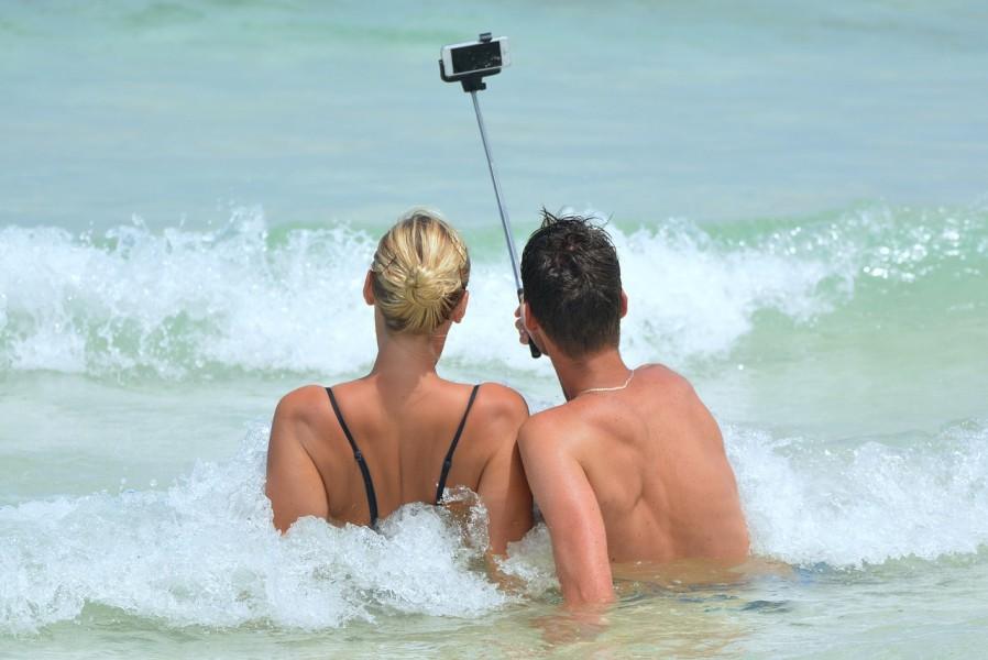 selfie-900001_1280