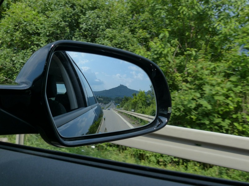 rear-mirror-167580_1280