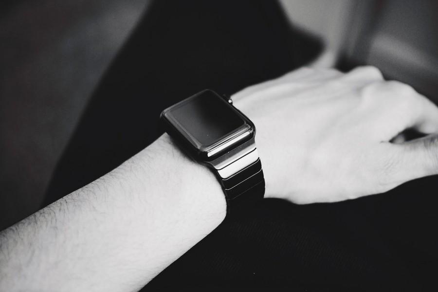 smartwatch-916404_1280