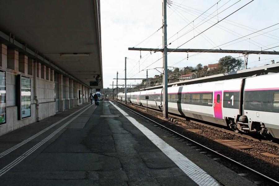 station-platform-258249_1280