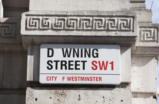 downing street 645x420 - Des marques perdent les lettre A, B et O, pour la bonne cause