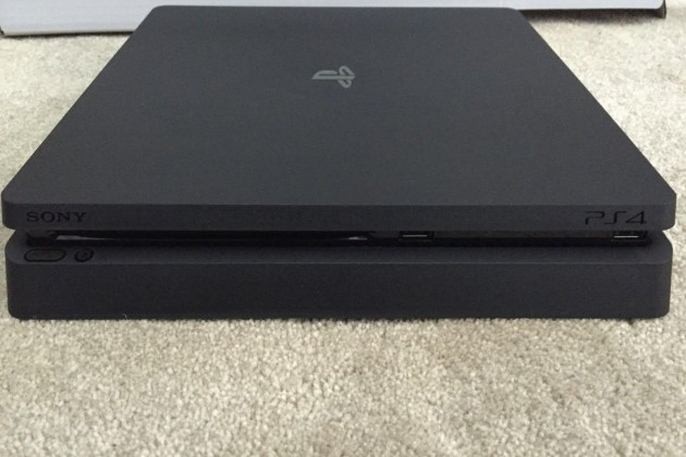 ps4 01 630x420 - Une PlayStation 4 étrange en photos