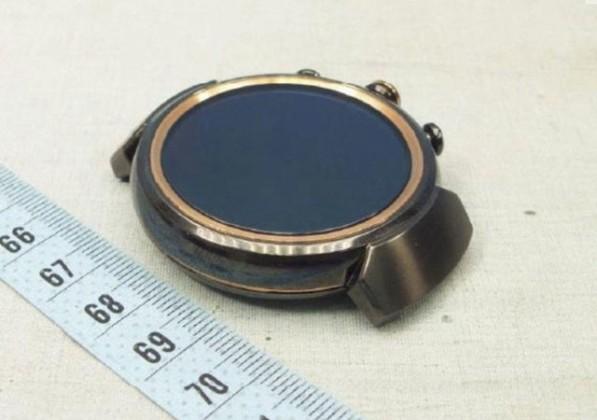 zen watch 02 597x420 - L'Asus ZenWatch 3 devrait être ronde