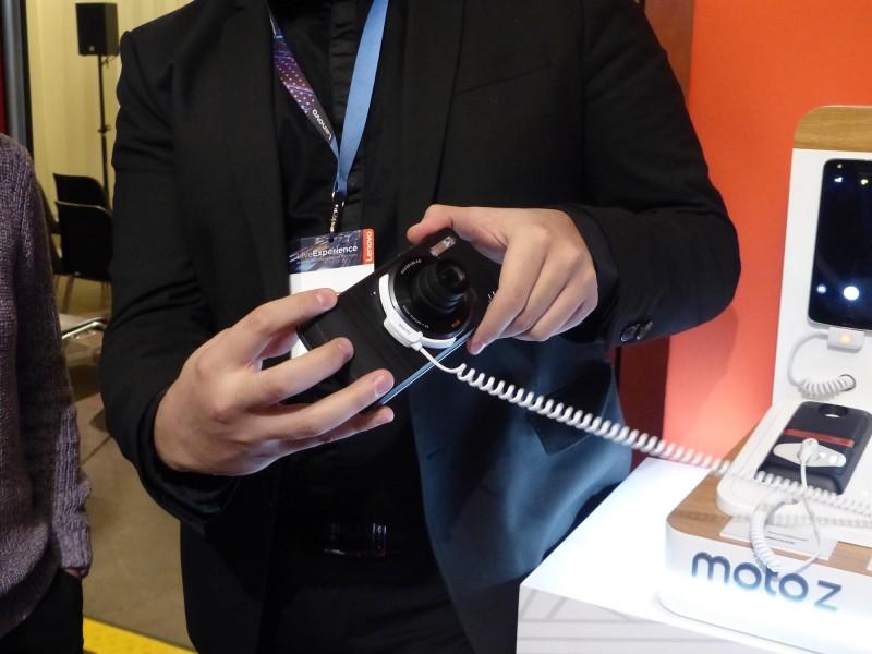 Stand Moto Z et Moto Z Play 37 800x600 - Lenovo Live Experience : Ère Numérique y était