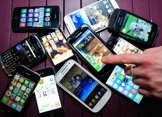 Obsolescence programmée - tas de téléphones