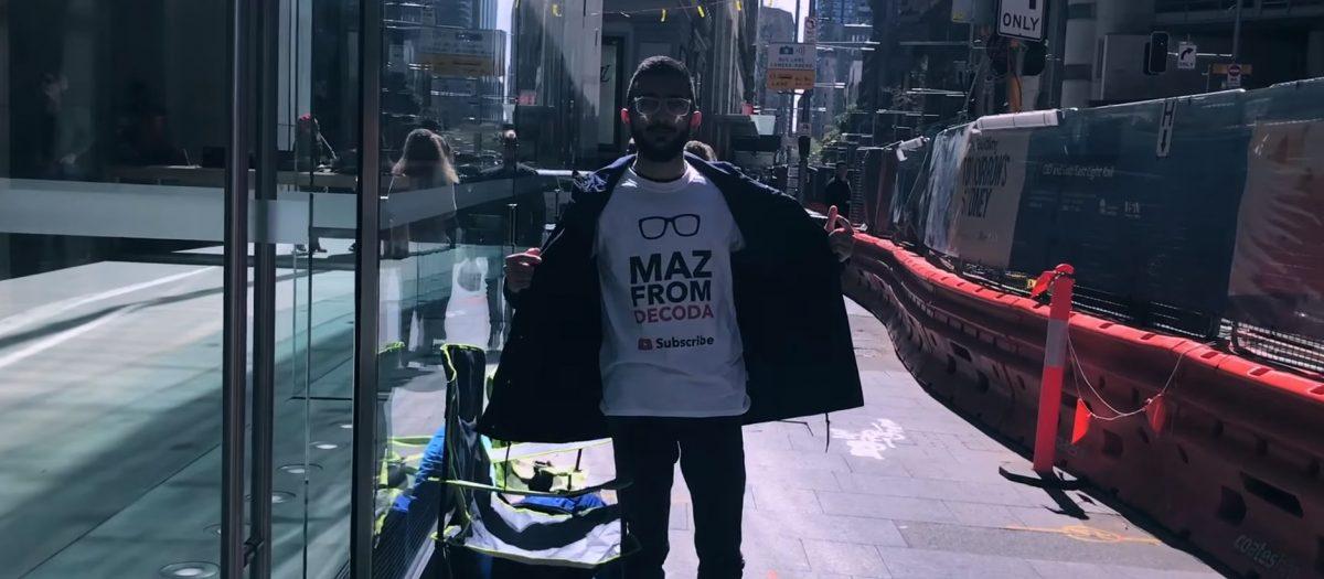 Mazen Kourouche fait la queue pendant 11 jours pour avoir l'iPhone 8 en premier mais il ne l'utilisera pas