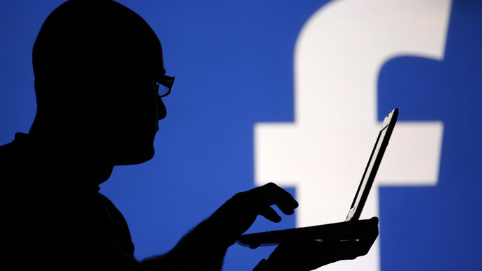 Facebook : vos conversations perdent leur caractère privé au travail
