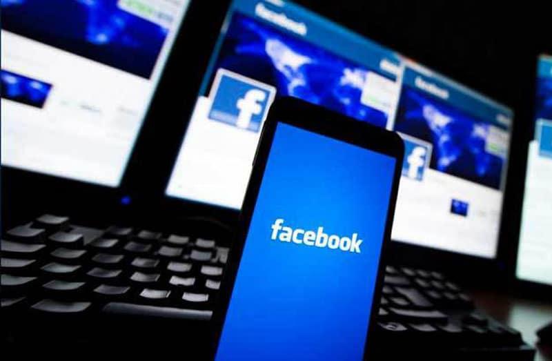 Le micro de votre smartphone permettrait à Facebook de vous espionner