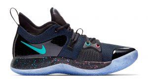 ce56652126b Nike commercialise des chaussures s inspirant de la manette de Playstation !