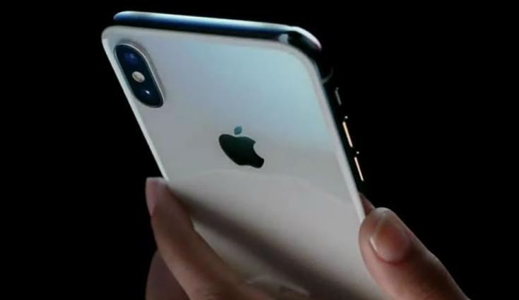 Apple : l'iPhone X 6.1 pouces est déjà un succès avant même sa sortie !