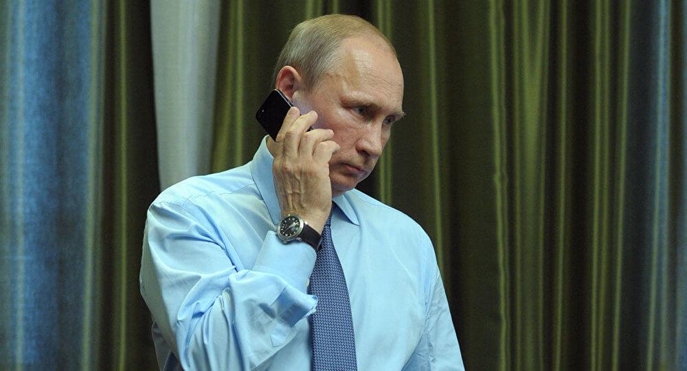 Smartphone : Vladimir Poutine avoue ne pas être connecté