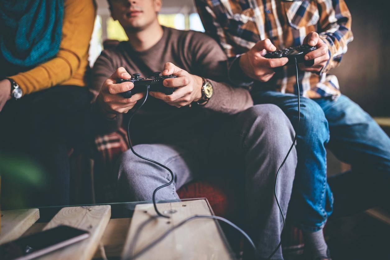 Addiction aux jeux vidéo : des éditeurs s'élèvent contre l'OMS
