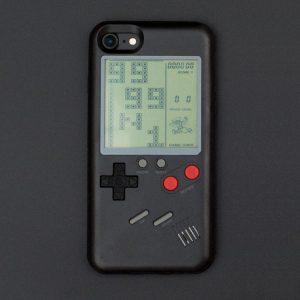 gameboy iphone 3 300x300 - Une coque transforme votre iPhone en GameBoy jouable