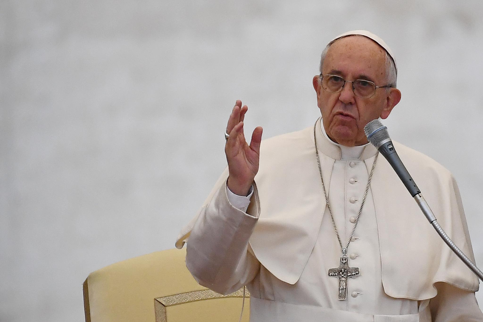 Le Pape demande aux Géants du Web de protéger les mineurs contre la pornographie et la cyberintimidation