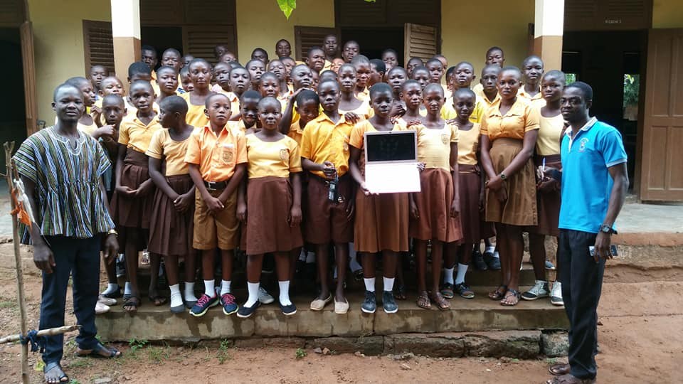 Le professeur du Ghana ne dessinera plus Word au tableau