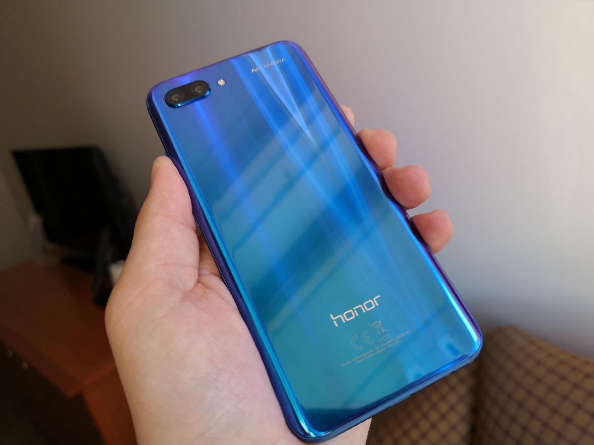 [ TEST ] Honor 10 : un smartphone efficace qui a du style