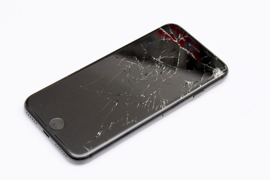 Une vidéo montre un iPhone exploser durant son chargement