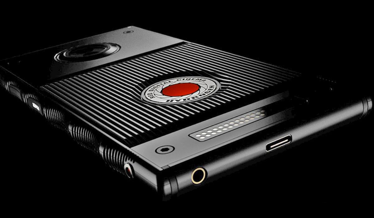 Le smartphone à écran holographique repoussé au mois d'août — RED Hydrogen One
