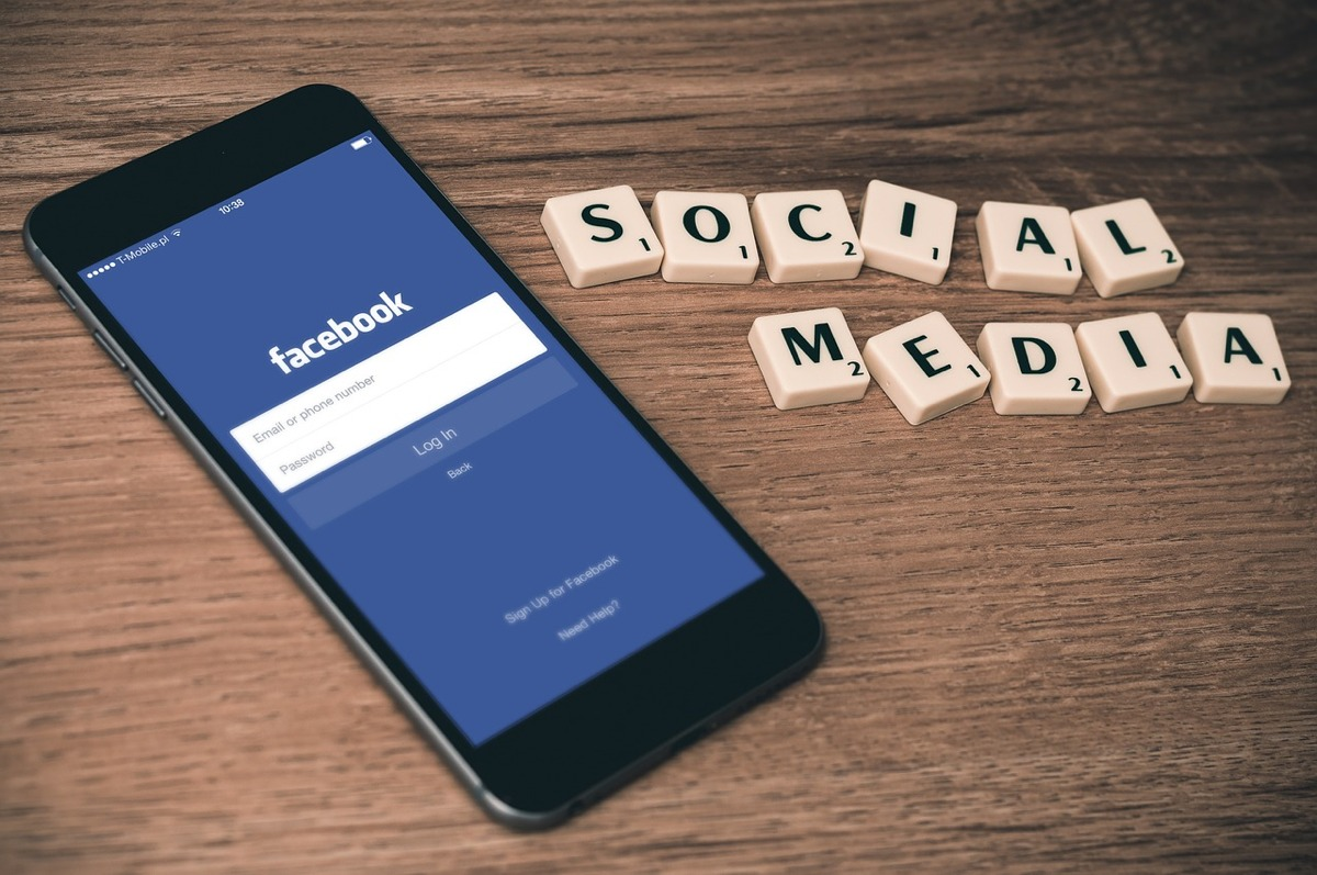Facebook : payez pour avoir accès à vos groupes sur le réseau social