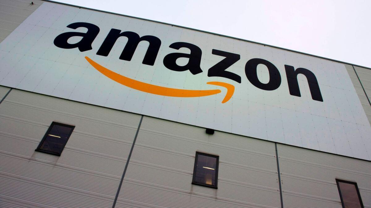 Amazon : des produits nazis vendus sur le marché