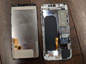 clone iphone x 3 300x225 - Un clone d'iPhone X à 100 dollars assez... médiocre et dangereux