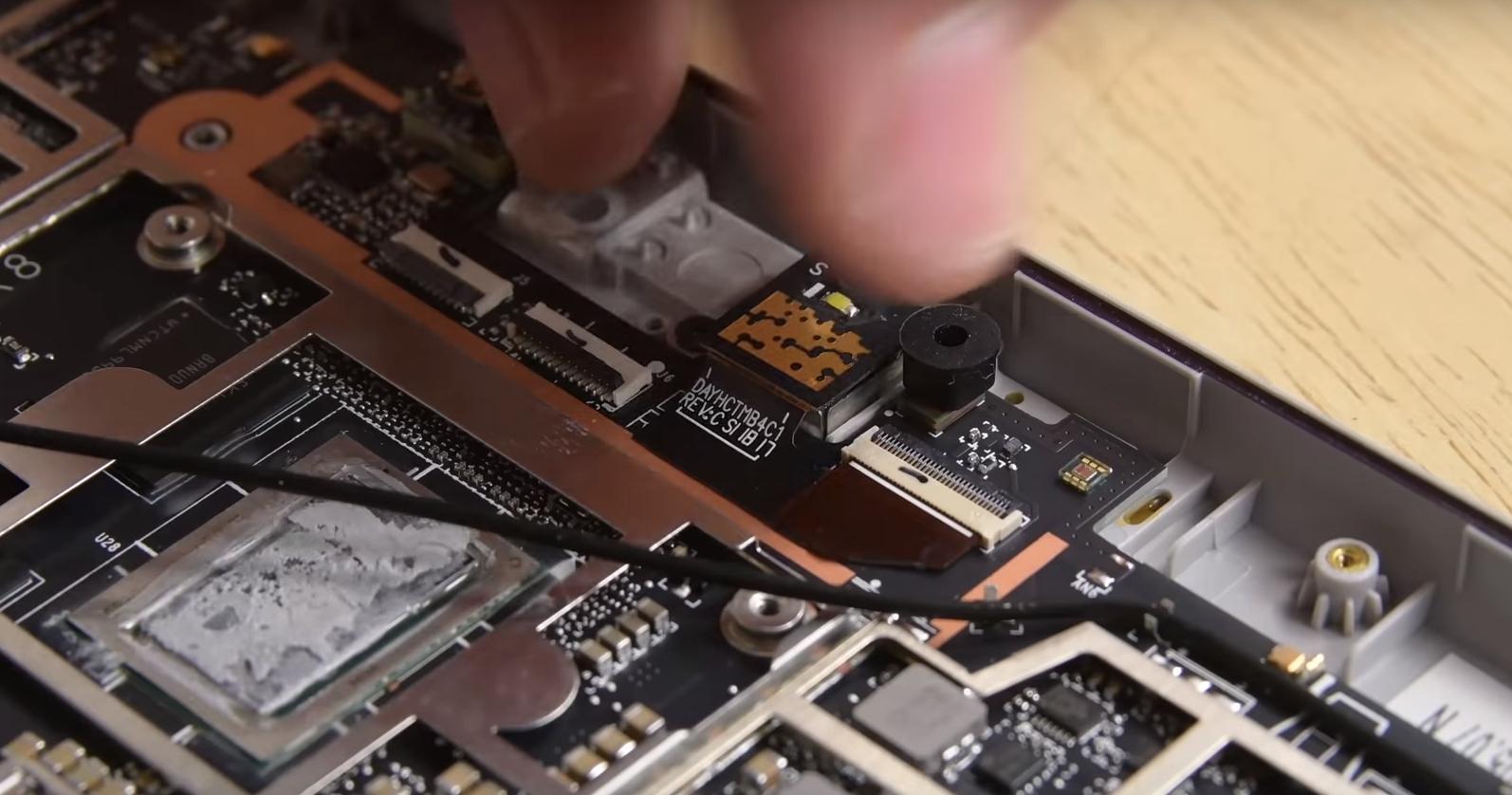 Microsoft Surface Go : un bijou de technologie… quasi irréparable
