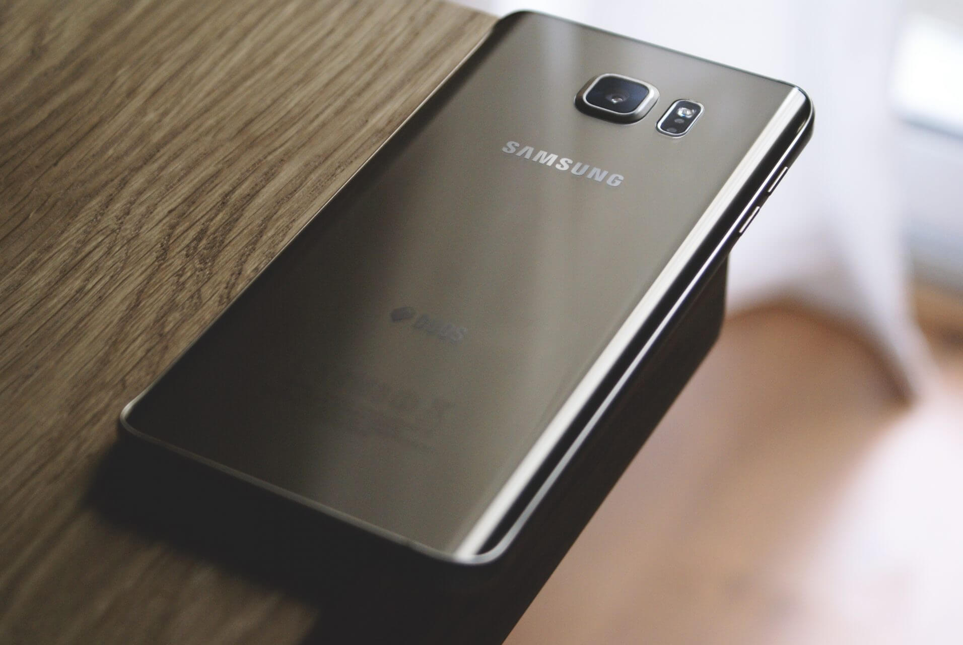 Son Galaxy S7 brûle, Samsung lui offre un Galaxy S9 en compensation