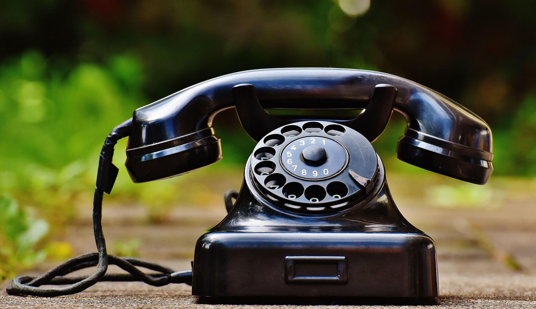 Vers la fin du téléphone fixe en France ?