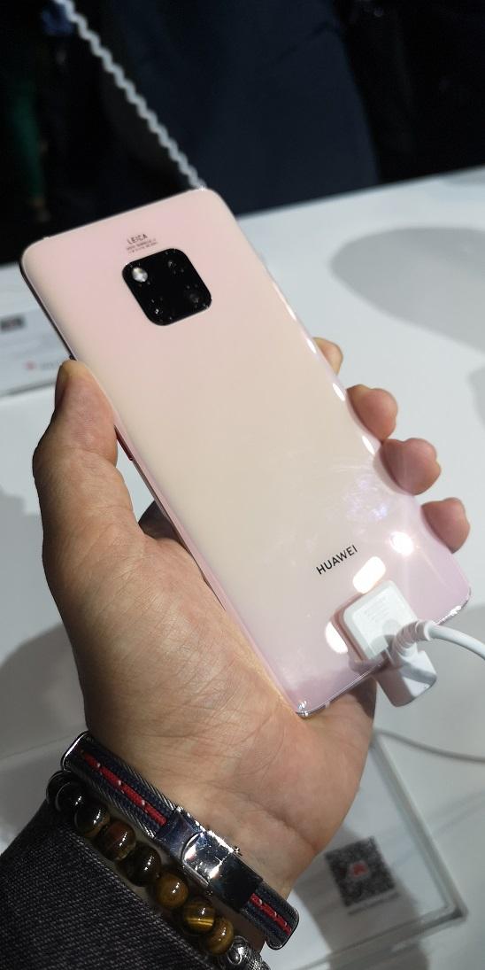 Huawei Mate 20 Pro 1 - [ Prise en main ] Huawei Mate 20 et Mate 20 Pro : les bêtes sont lâchées !