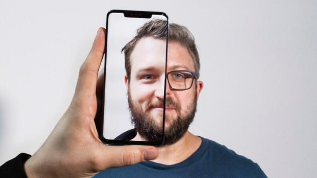 La reconnaissance faciale du Huawei Mate 20 Pro se fait duper par deux visages très similaires