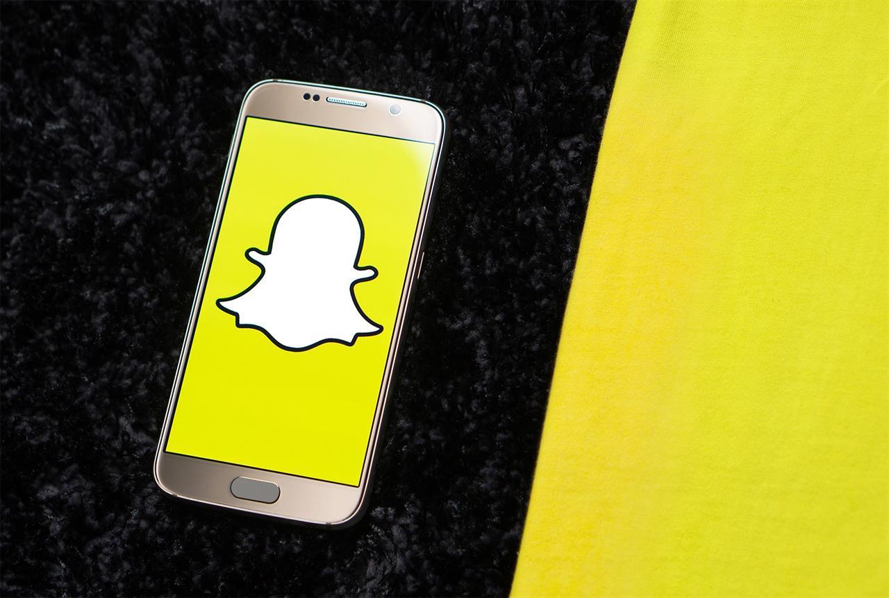 Quand deux hommes alcoolisés incendient une voiture… pour se filmer sur Snapchat