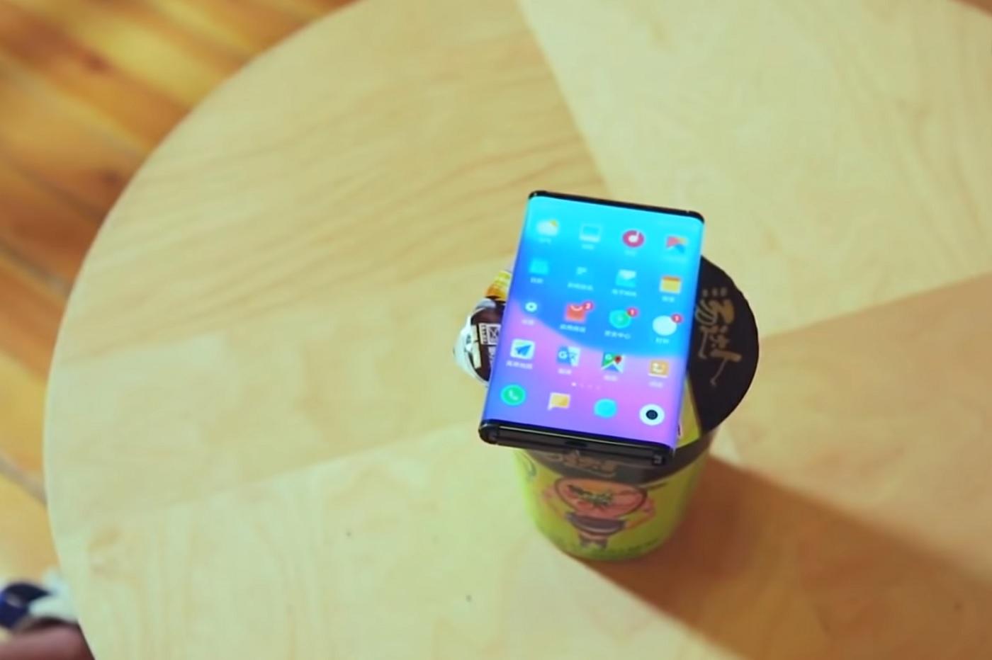 Le smartphone pliable de Xiaomi se dévoile une nouvelle fois en vidéo