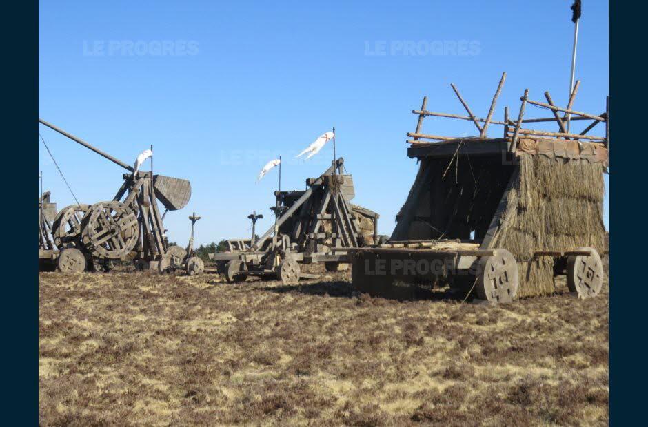 Kaamelott : les décors encore présents à la Jasserie après le tournage