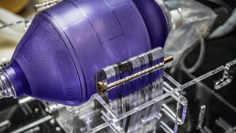 MIT Ventilator Project SL - Une équipe du MIT conçoit un respirateur bon marché pour faire face à la pénurie